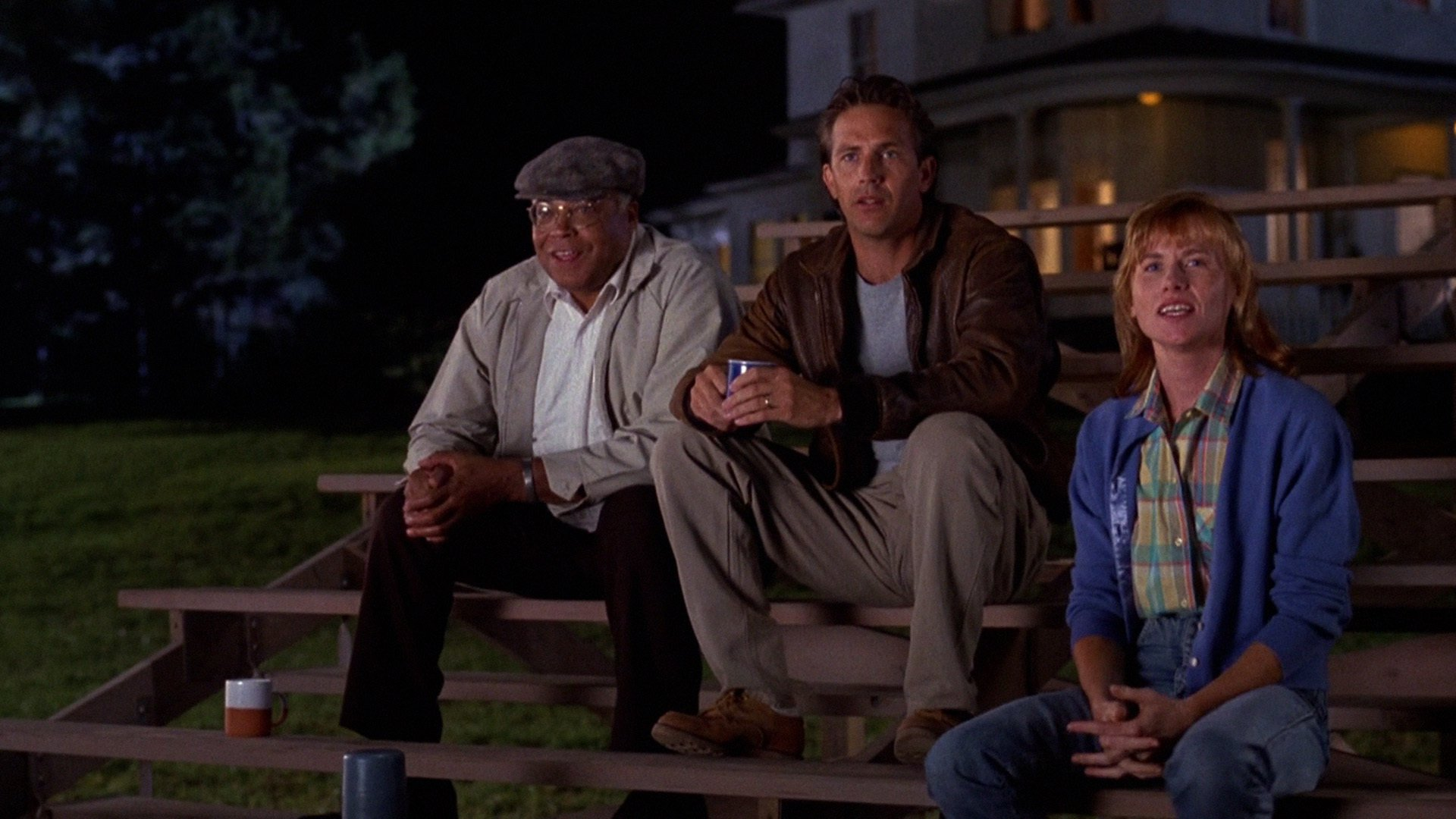 character analysis of ray kinsella in the movie field of dreams Field of dreams has the with ray kinsella, the character played by a nice field to play on this starts the movie's.