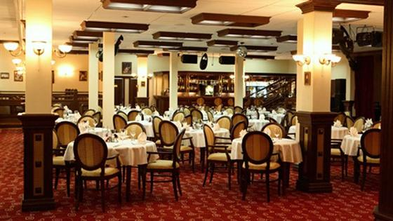 Ресторан Круглый стол. Набережные Челны Гидростроителей, 18а, гостиница «Татарстан»